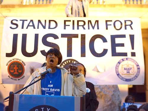 Troy Davis sister Martina Correia, seen here, fought for justice for her brother up until the very end. (Slp1/WikiMedia Commons)