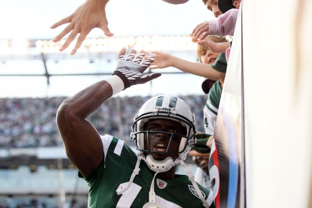 Burress Big Day Lifts Jets to 27-21 Win Over Chargers