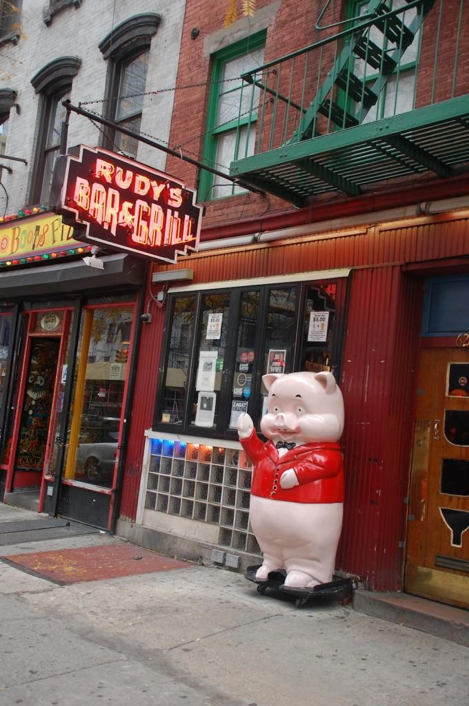 Rudy's, famous for its cheap beer and free hotdogs, was the backdrop of a suprising date. (Darryl Yu/The Observer)
