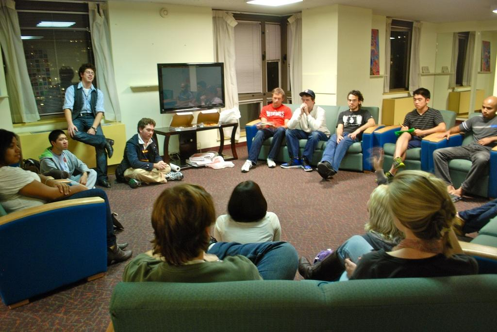 FCLC Students gather in McMahon Hall's 8th Floor Lounge to share their concerns about Res Life policies. (Maddy Chambers/The Observer)