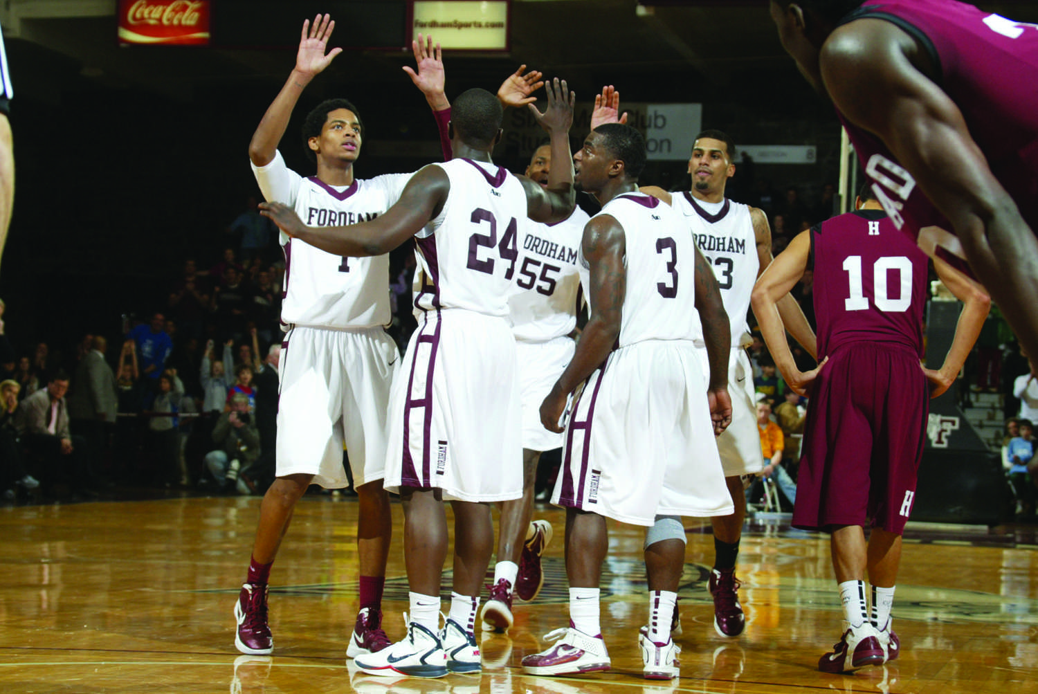 Off the Mark: Inconsistency Plagues the Basketball Team