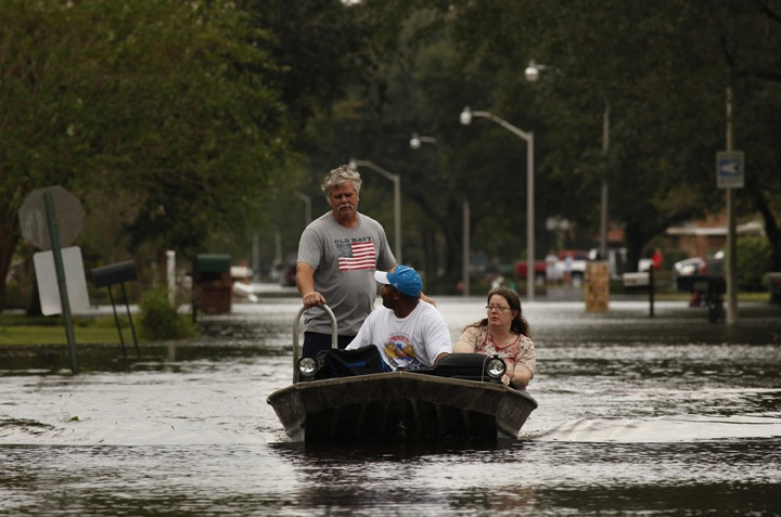 Without proper preparation for climate change, the island of Manhattan is in danger of severe flooding in future years like the hurricane victims pictured above. (Carolyn Cole/Los Angeles Times/MCT)