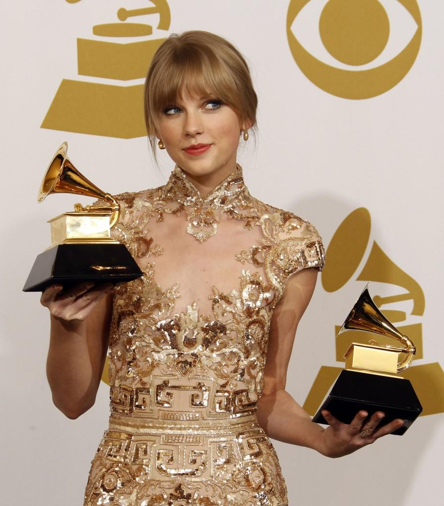 Taylor+Swift+at+the+Grammy+Awards+on+Feb.+12%2C+2012.++%28Allen+J.+Schaben%2FLos+Angeles+Times%2FMCT%29