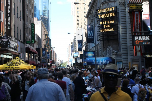 Broadway Flea Market in Shubert Alley on September 22, 2013. (Tyler Martins/The Observer)