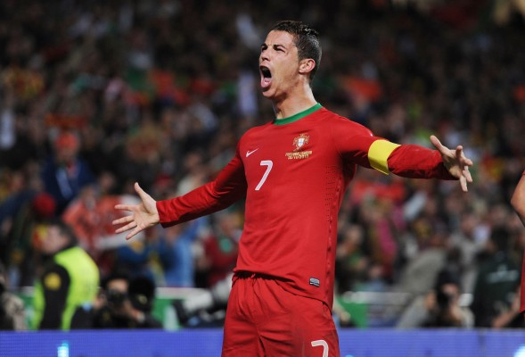 Cristiano+Ronaldo+will+try+to+carry+Portugal+to+the+2014+World+Cup.++%28Alex+Morton%2FAction+Images+via+MCT%29