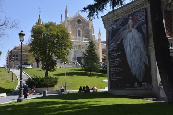 The park outside of the Museo Del Prado (El Prado) and the façade of the Iglesia de San Jeronimo el Real. (Ludovica Martella/The Observer)