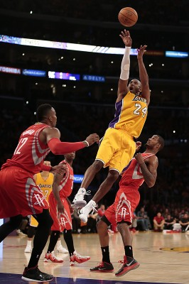 Kobe's constant jump shots would hurt the Knicks more than it would help. (Photo Courtesy of Robert Gauthier / Los Angeles Times via TNS)