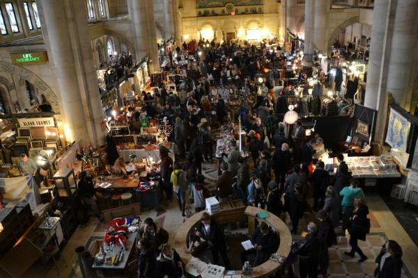 New Yorkers attend the Brooklyn Flea Market. (Photo Courtesy of Pedro Cambra via Flickr)