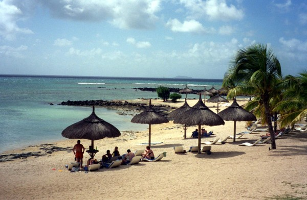 A sunny day in Mauritus ( PHOTOGRAPH BY LARRY BLEIBERG /DALLAS MORNING NEWS)
