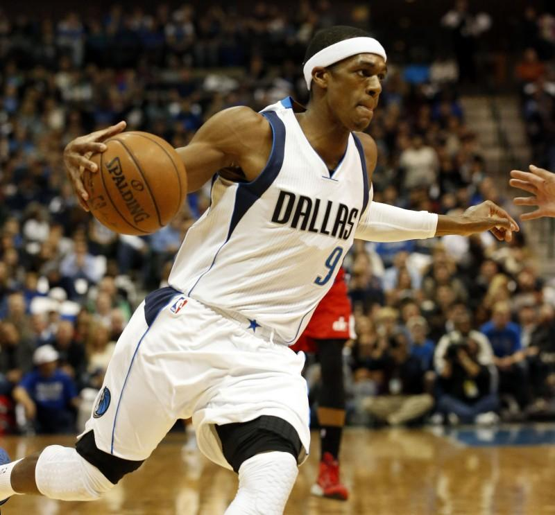 Rajon Rondo, shown on the Dallas Mavericks, should not be a target for the New York Knicks this off season. (PHOTO COURTESY OF JOHN RHODES/FORT WORTH STAR-TELEGRAM VIA TNS)