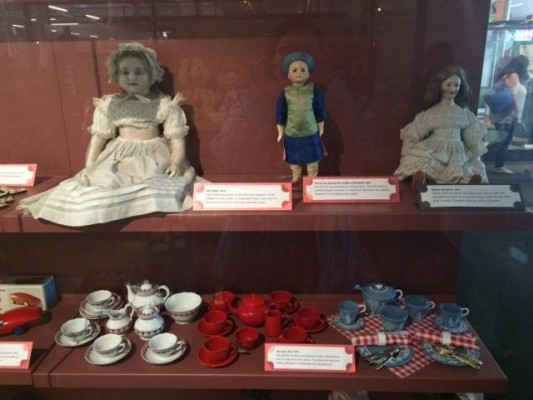 Dolls and other toys on display at the Museum of Childhood (PHOTO COURTESY OF MARISSA SBLENDORIO)