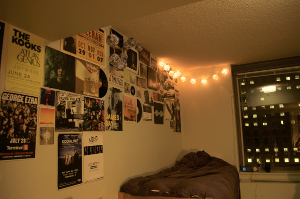 Isnt it nice to redecorate your dorm every school year? (PHOTO BY JESSICA HANLEY/THE OBSERVER)