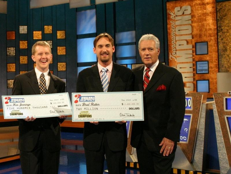 Alex Trebek stands alongside former Jeopardy champions.  (KRT ENTERTAINMENT,  PHOTOGRAPH VIA PHILADELPHIA INQUIRER)