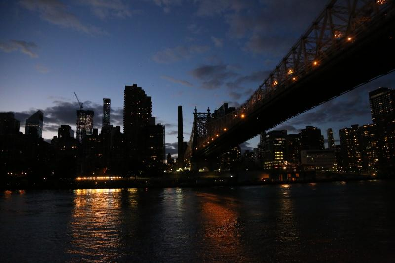Daylight Savings is approaching as the Ed Koch-59th Street bridge is lit up in the early evening.  (PHOTO BY HANA KEININGHAM / THE OBSERVER)