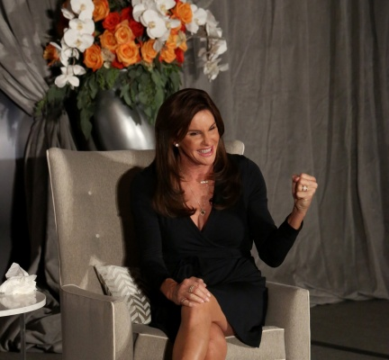 Caitlyn Jenner speaks to the Chicago House luncheon at the Hilton Chicago on Thursday, Nov. 12, 2015. (Nancy Stone/Chicago Tribune/TNS)