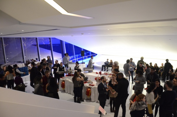 Light+dinner+and+drinks+were+served+to+the+guests+before+the+event+began.+%28ANDRONIKA+ZIMMERMAN%2FTHE+OBSERVER%29