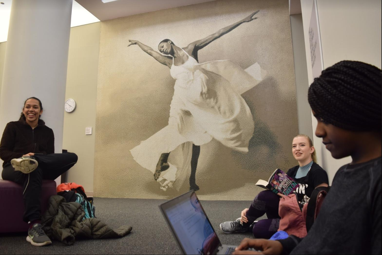 Wallace-Greene, Houston, and Addie squeeze in a study break before rehearsal. (JON BJÖRNSON/THE OBSERVER)