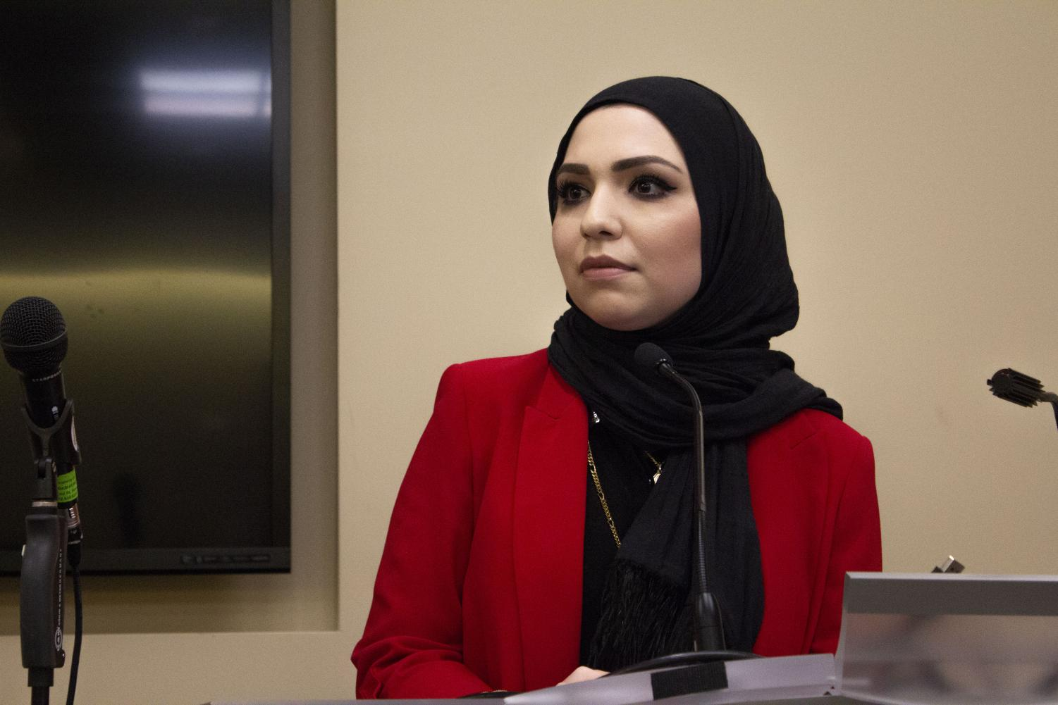 Activist Isra Chaker delivering her speech to Fordham LC Students on Nov. 7. (ARIA LUGO/THE OBSERVER)