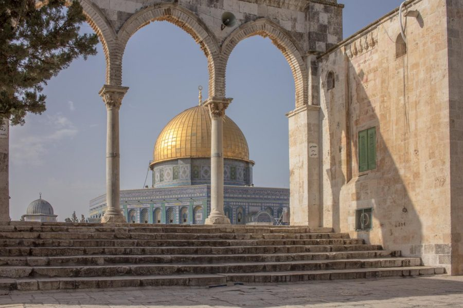 The+Dome+of+the+Rock%2C+which+is+a+religious+site+in+all+Judeo-Christian+religions%2C+is+often+used+as+a+symbol+for+peace+in+the+Middle+East.+