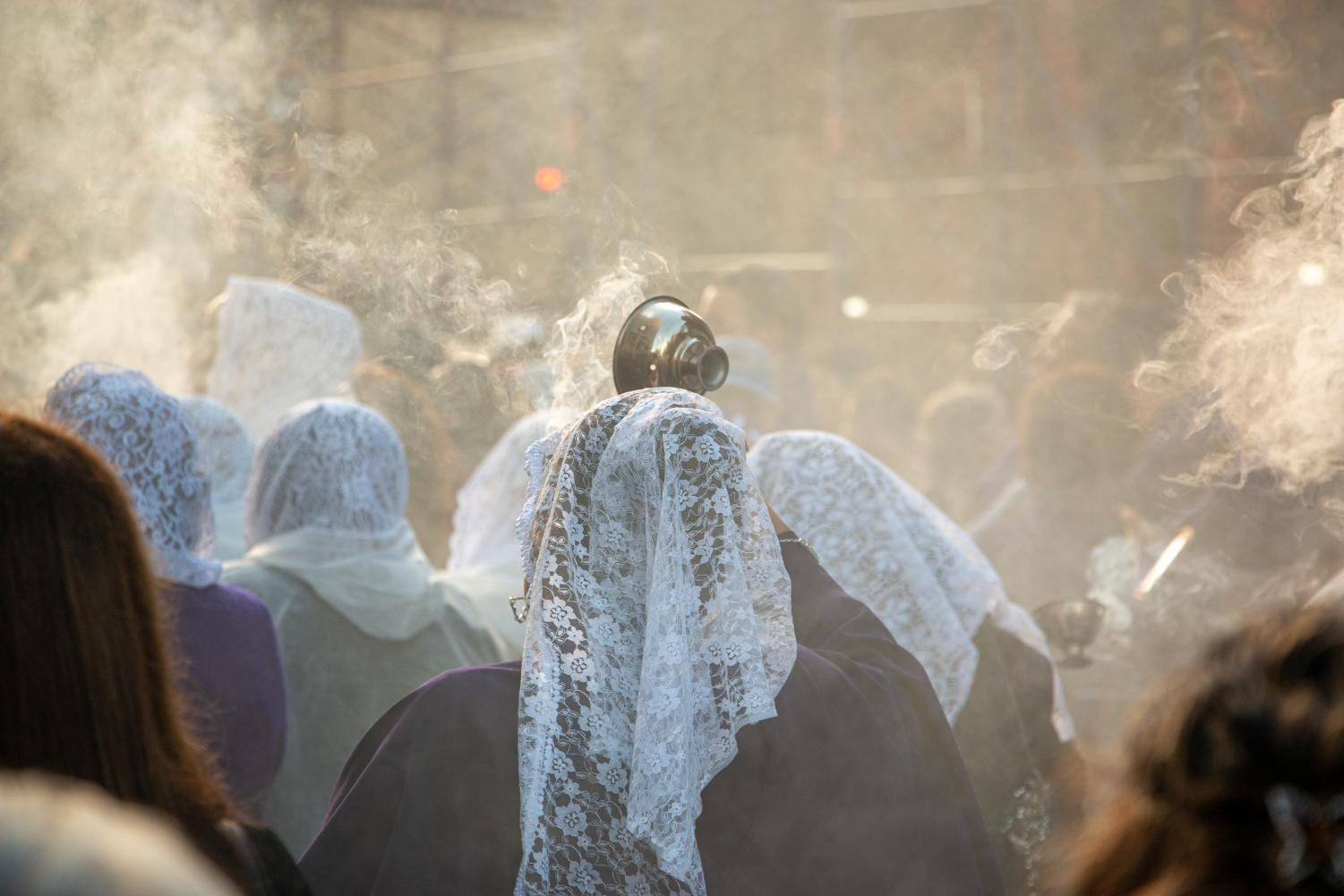 The celebratory sound of horns and the strong smell of incense dominated the Lincoln Center area on Oct. 27 in observation of Señor de los Milagros, a historic Peruvian tradition.