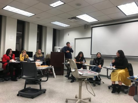 Women in Media Speak to Arts and Culture Reporting class
