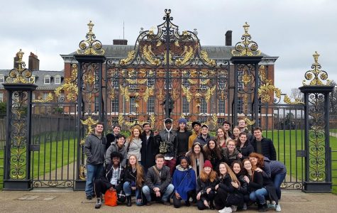Fordham London Dramatic Academy Class of 2019 outside the Kensington Palace. Students said that their close friendships made the program memorable.