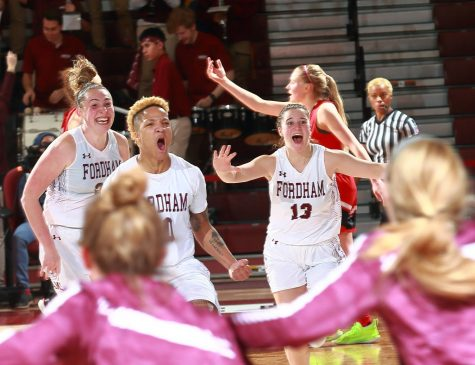 Women's Basketball Stuns Davidson on Cavanaugh Game Winner, 47-46