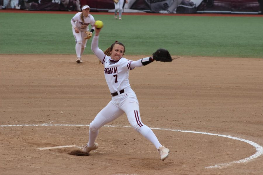 in+a+game+against+seton+hall%2C+woman+pitches+a+softball