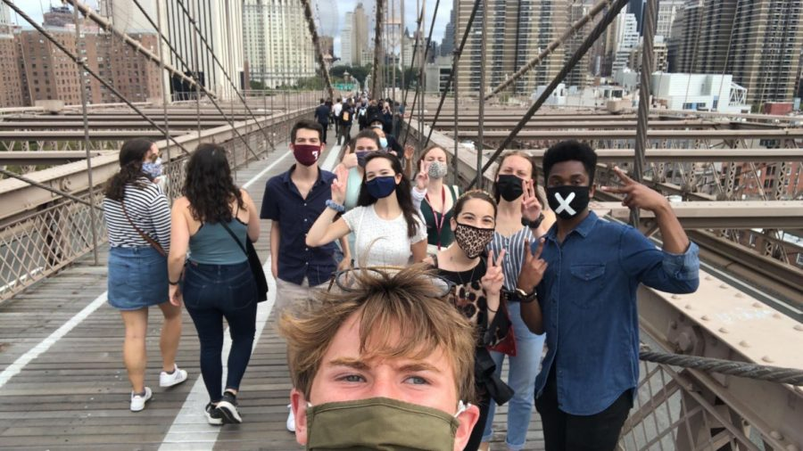 for+an+article+about+first-years+on+campus%2C+a+selfie+of+a+group+of+students+on+the+brooklyn+bridge