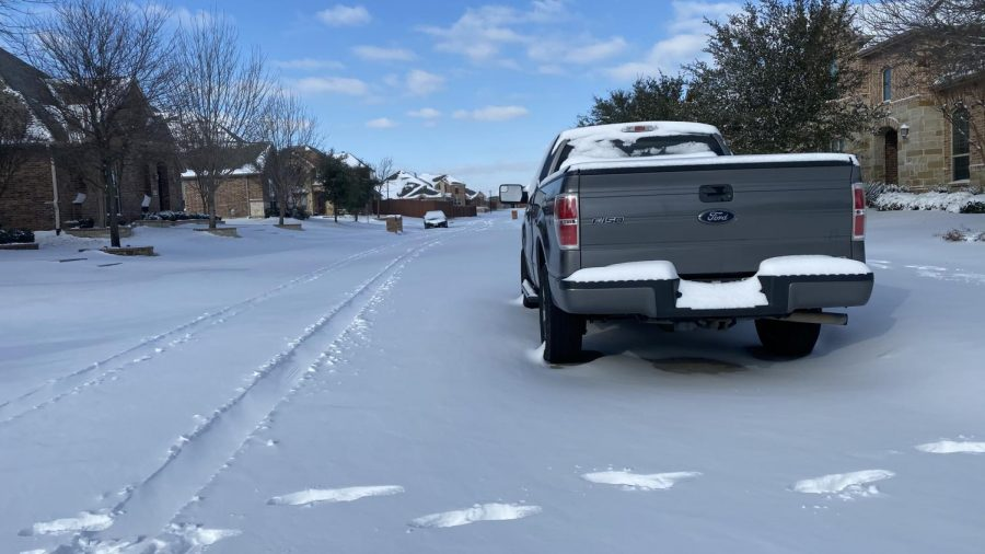 truck stuck in snow during texas winter storm